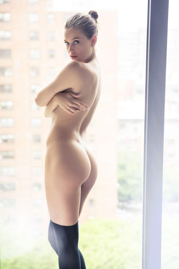 Lexi Wood Nude (5 Photos)