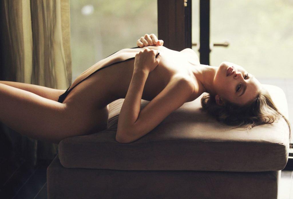 Lexi Wood Nude & Sexy (12 Photos)