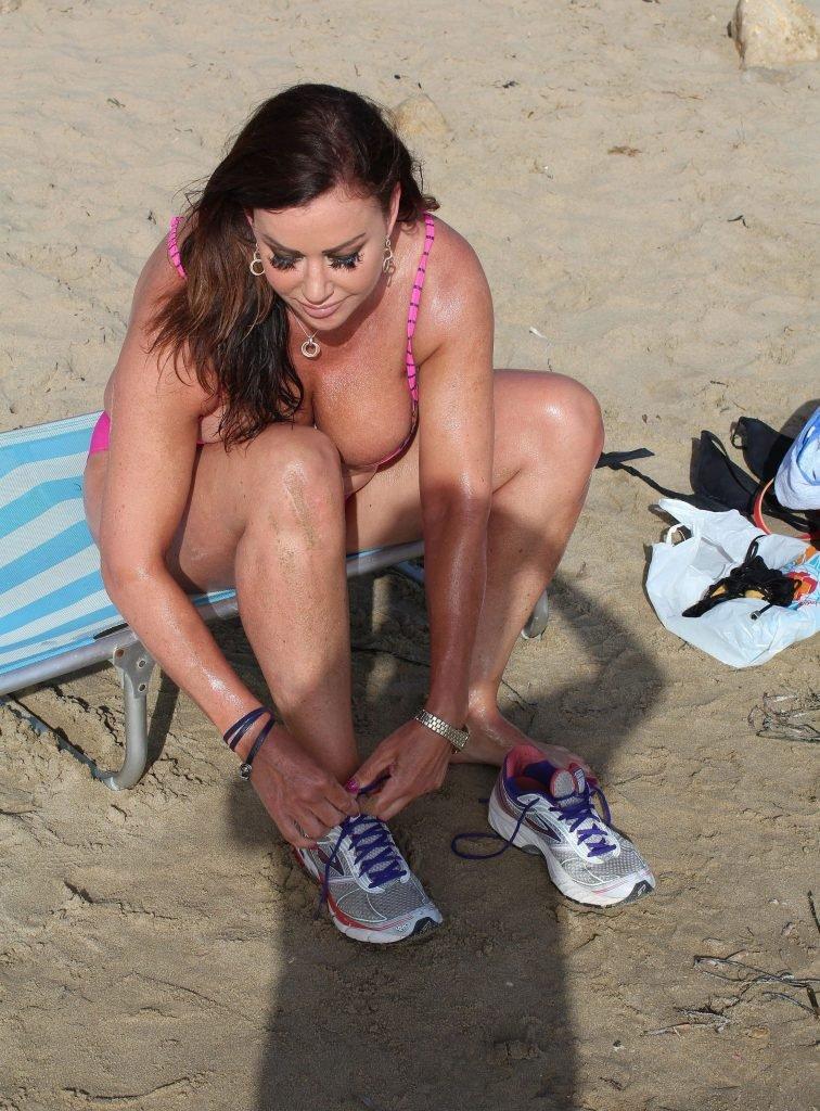 Lisa Appleton's Boobs (22 Photos)