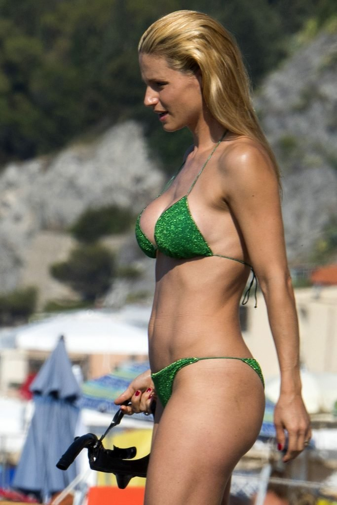 from Gilbert michelle hunziker ass crack
