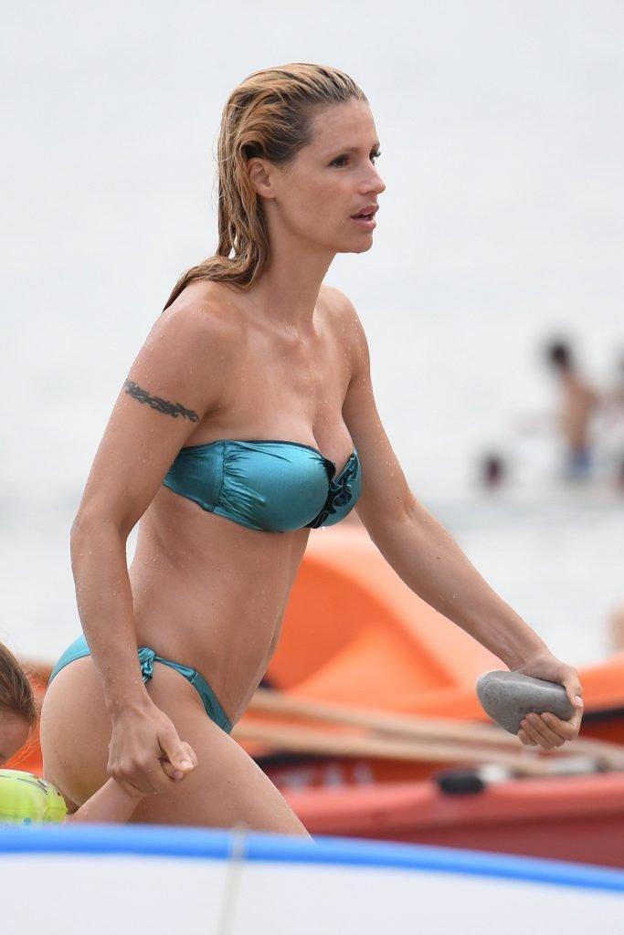 Michelle Hunziker Sexy (34 Photos)