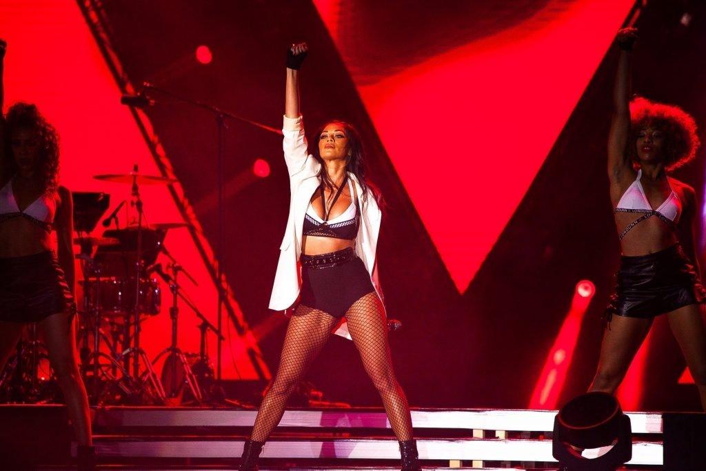 Nicole Scherzinger Sexy (6 Photos + Video)