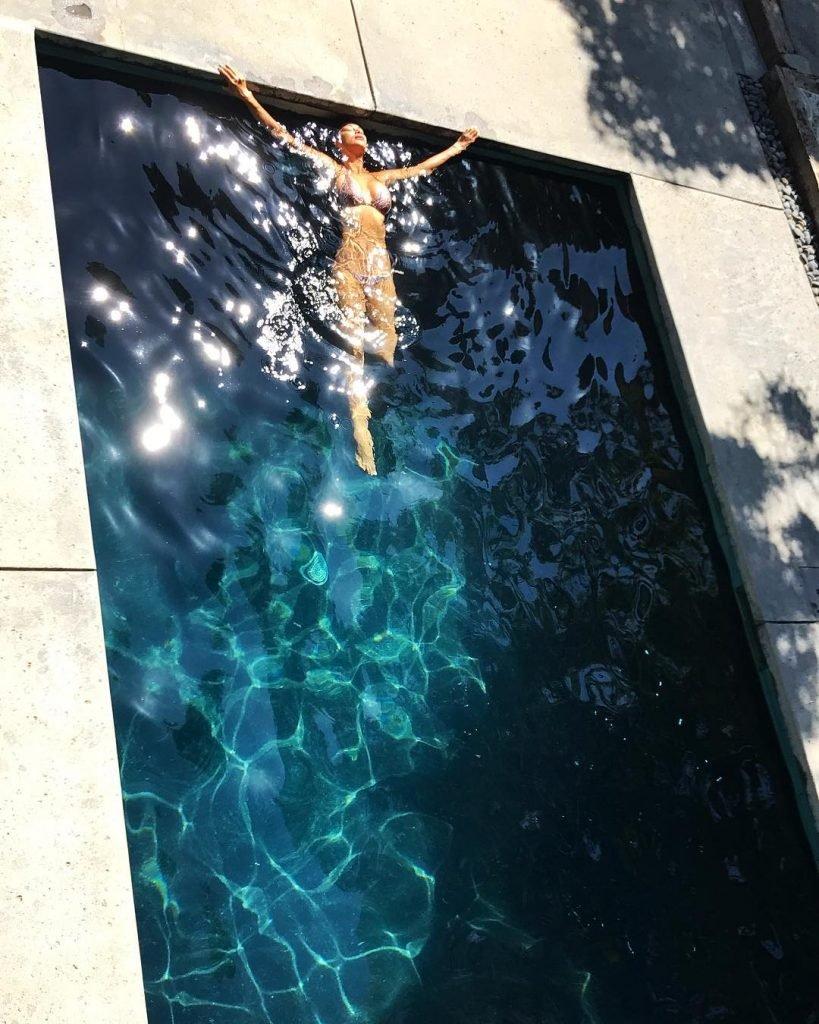 Nicole Scherzinger Sexy (Pics + GIFs & Video)