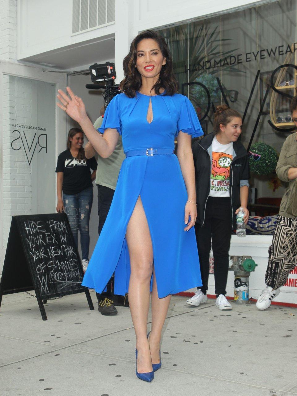 Olivia Munn Up Skirt 86