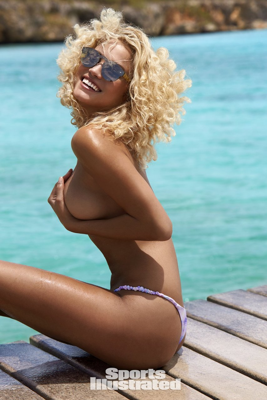 braless Sex Stephanie Rose Bertram naked photo 2017