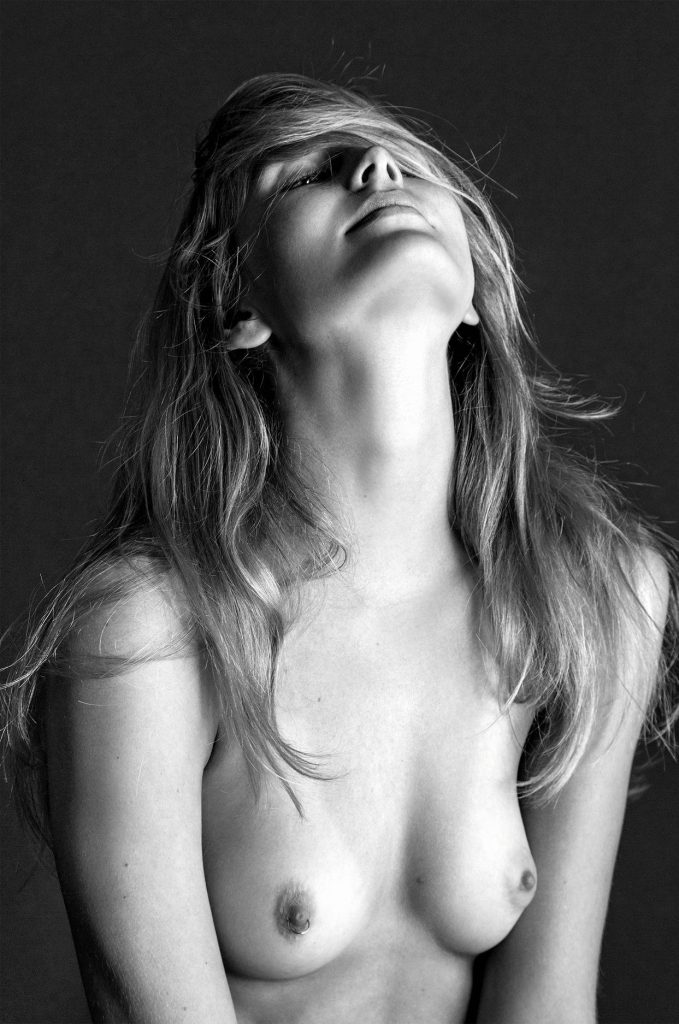 Sigrún Eva Jónsdóttir Topless (2 Photos)