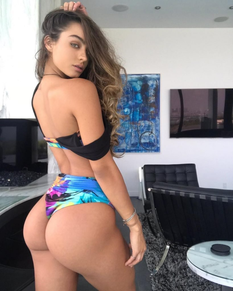 Sommer Ray Sexy (17 Photos + Video)