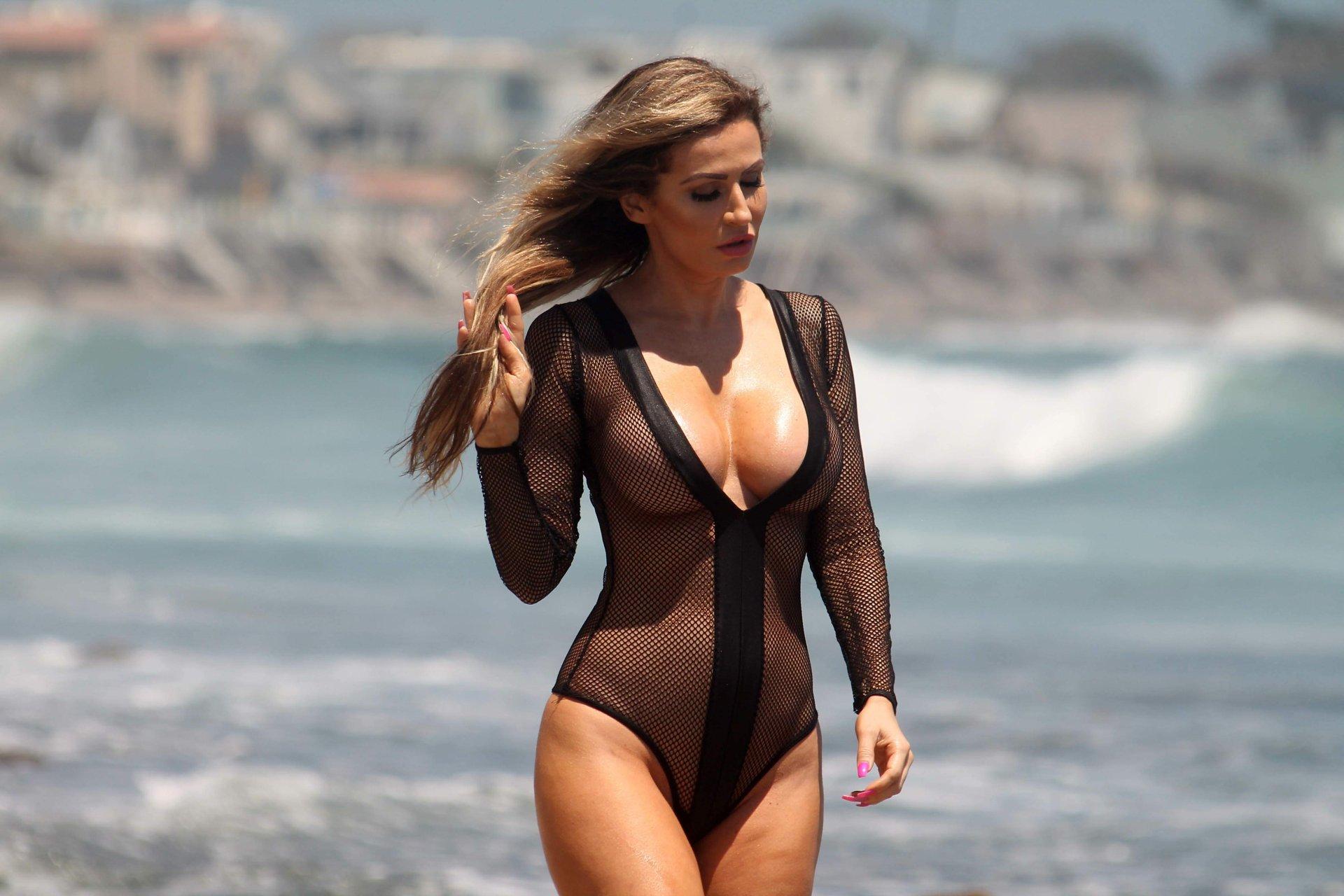 Selfie Swimsuit Roxane Mesquida  nudes (14 pics), iCloud, butt