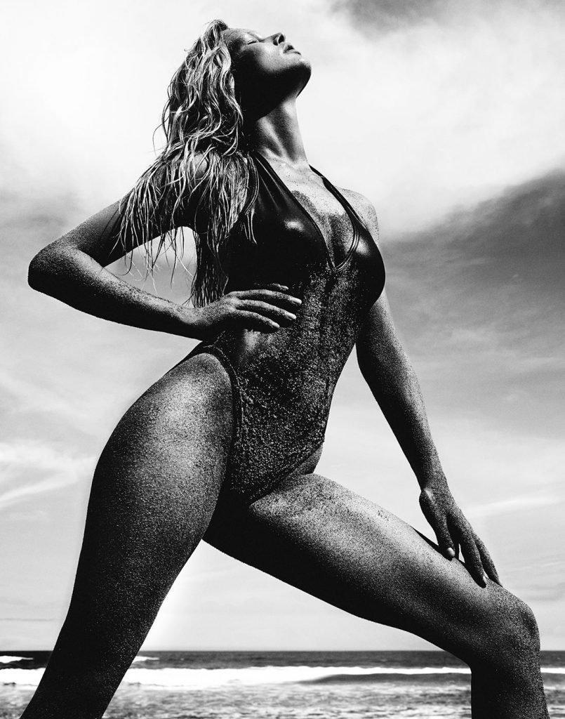 Anna Ewers Nude & Sexy (16 Photos)