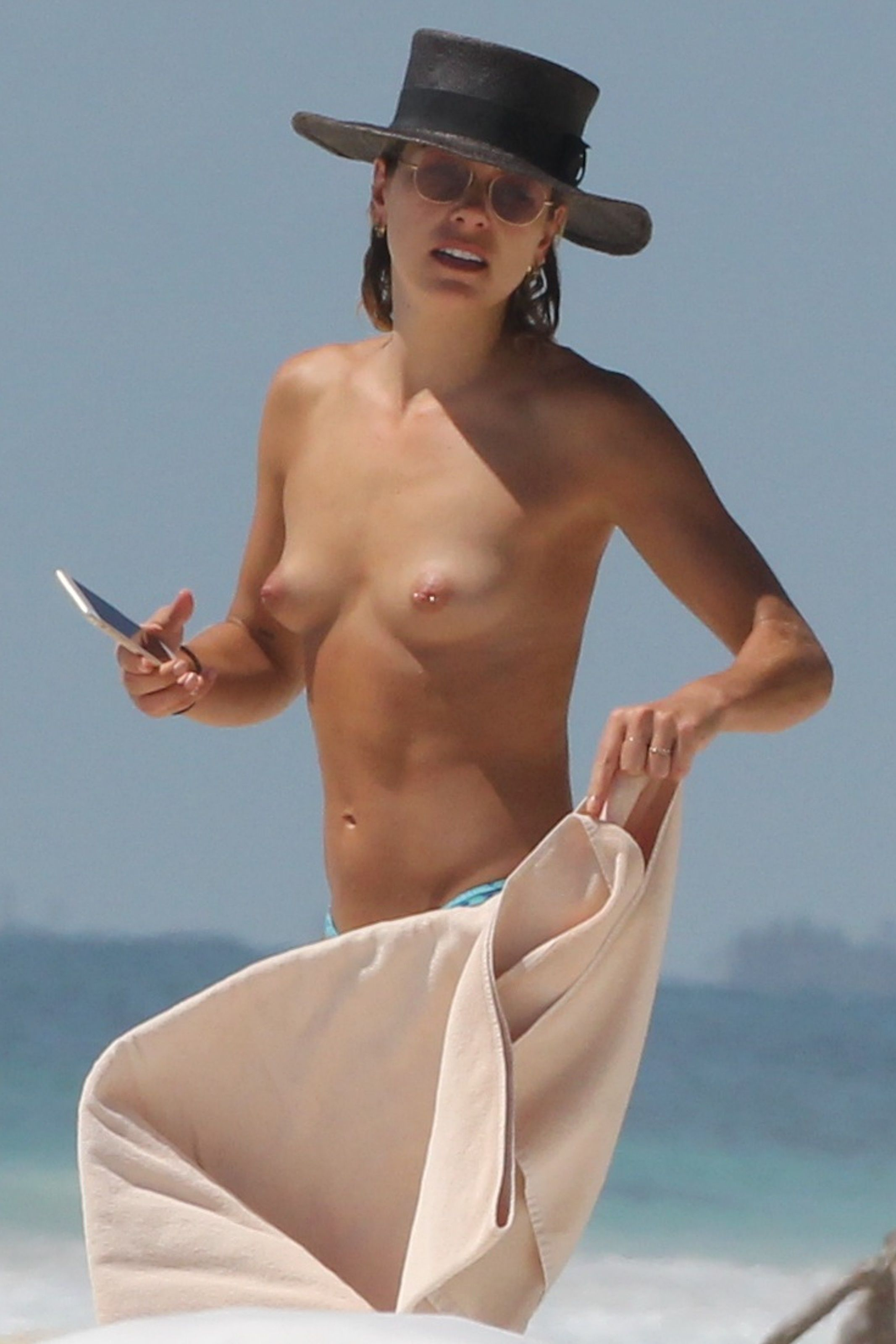 topless celebrities