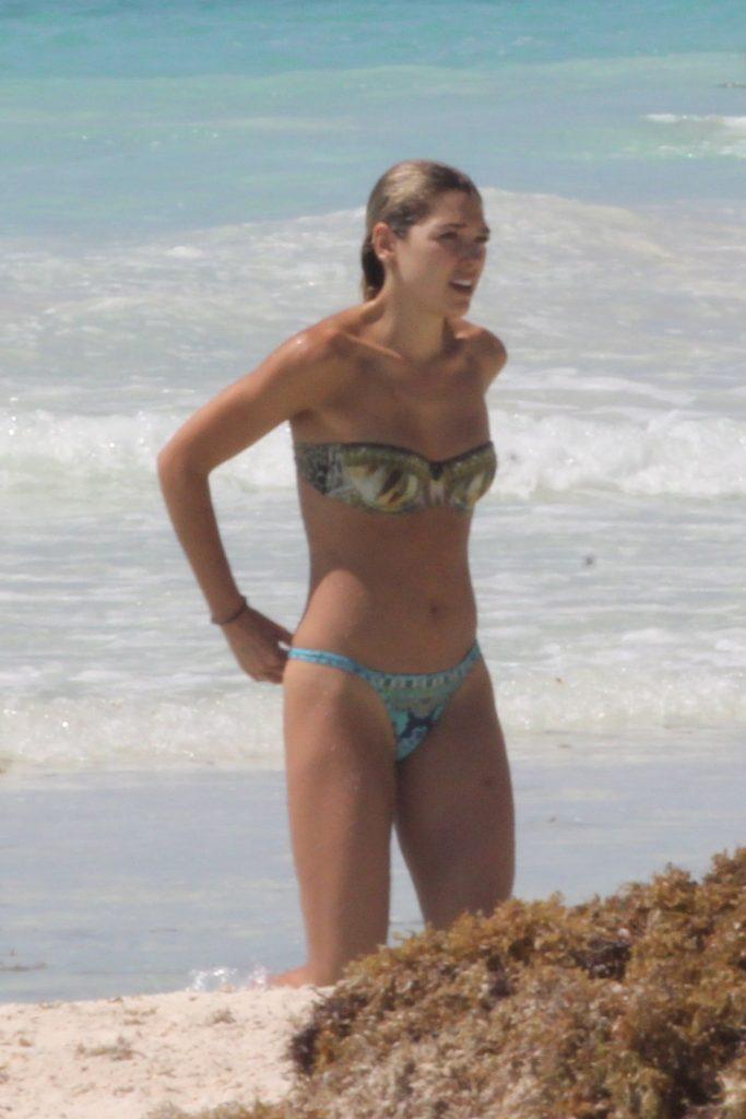Ashley Hart Sexy & Topless (50 Photos)