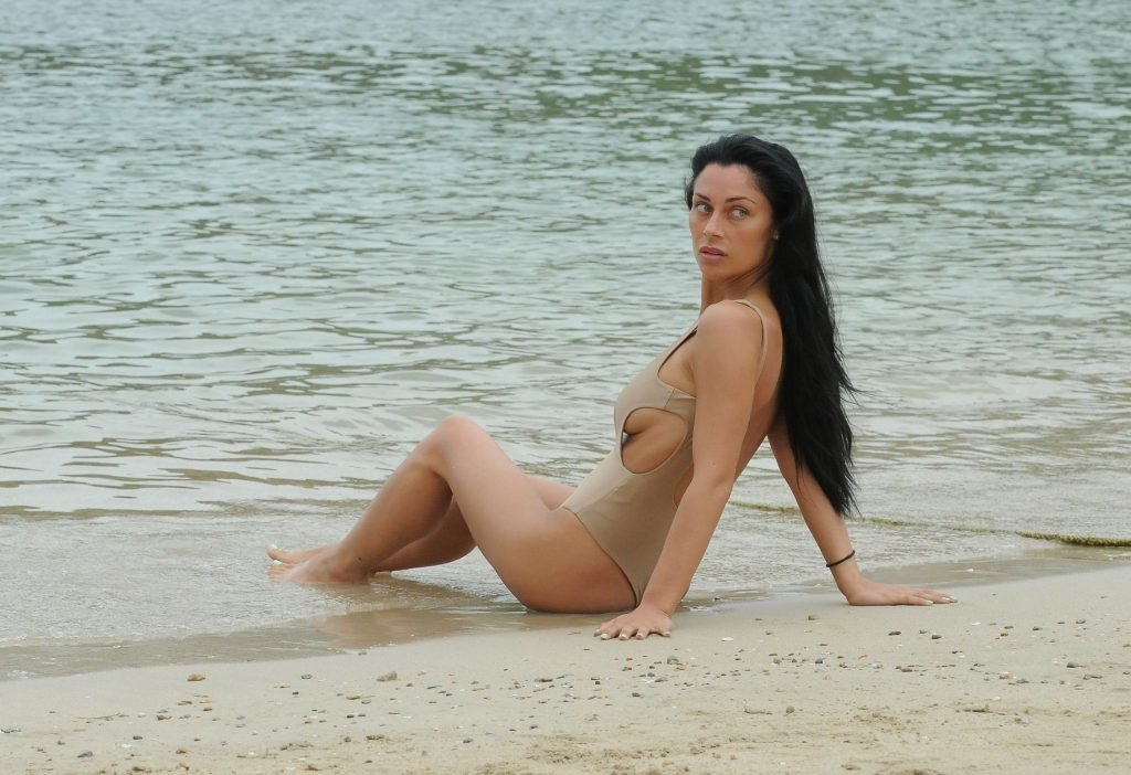 Cally Jane Beech Sexy (23 Photos)