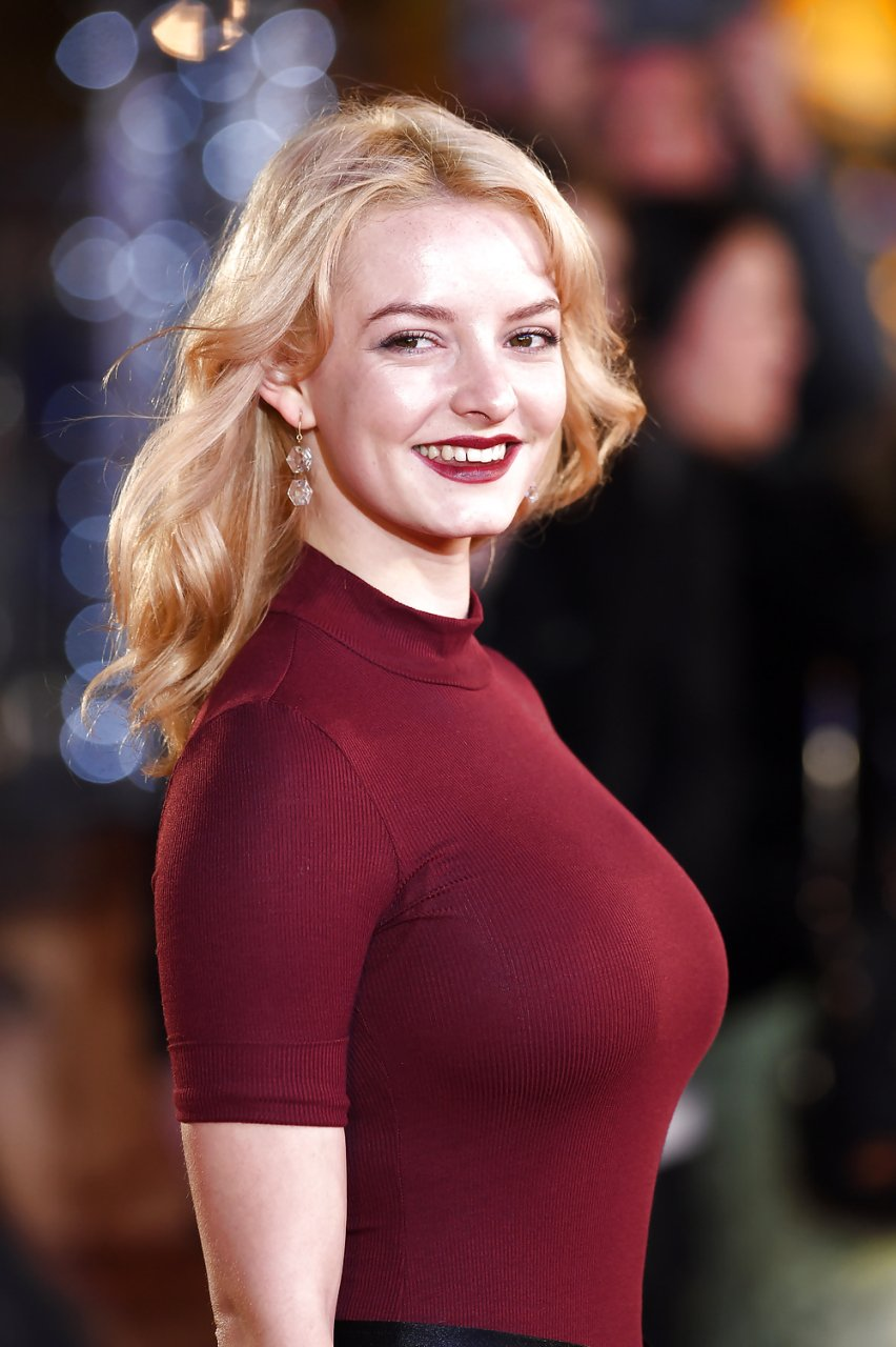 dakota blue richards sexy