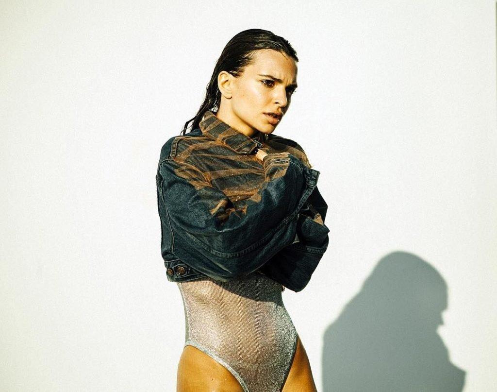 Emily Ratajkowski Sexy (7 Photos)