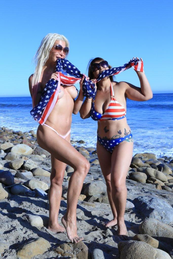 Frenchy Morgan Sexy & Topless (24 Photos)