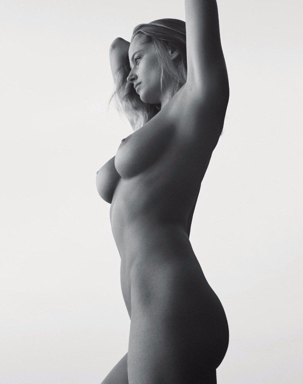lady gaga nude hacked photo