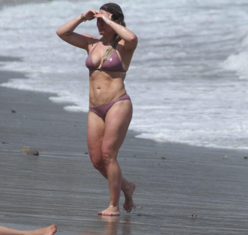 Hilary Duff Sexy (42 Photos + Video)