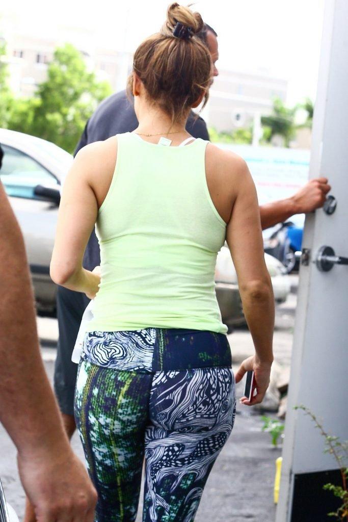 Jennifer Lopez Sexy (7 Photos)