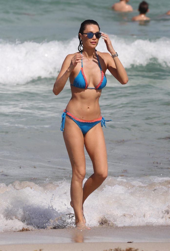 Julia Pereira Sexy (69 Photos)