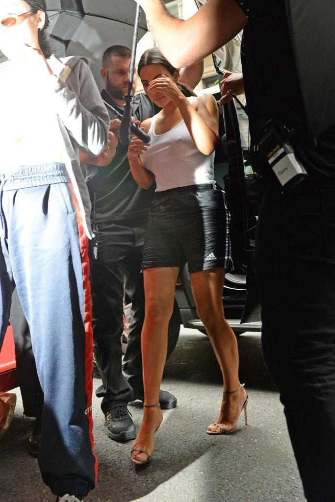 Kim Kardashian Braless (16 Photos)