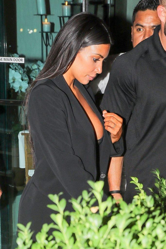 Kim Kardashian Sexy (80 Photos + Videos)