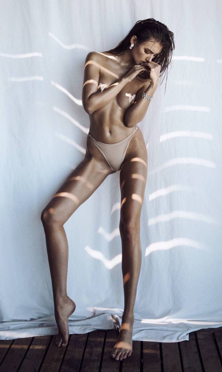 rae naked