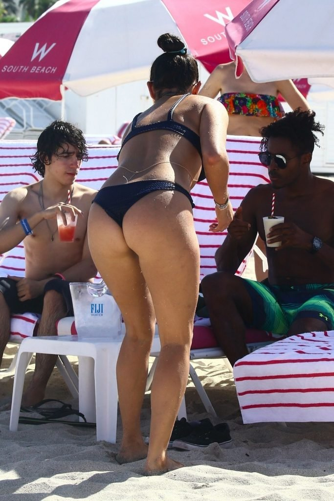 Natalie Martinez Sexy (8 Photos)