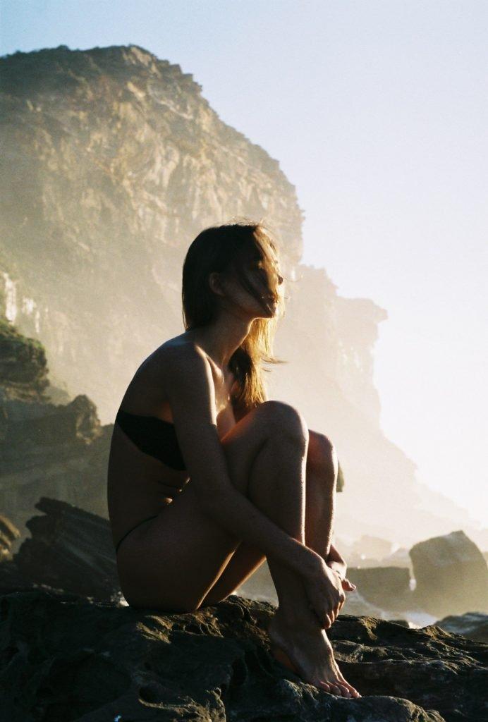 Rachel Cook Topless (13 Photos)