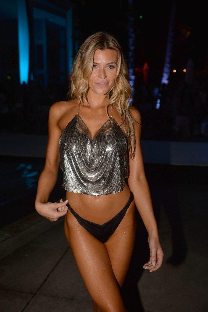 Samantha Hoopes Sexy (30 Photos)