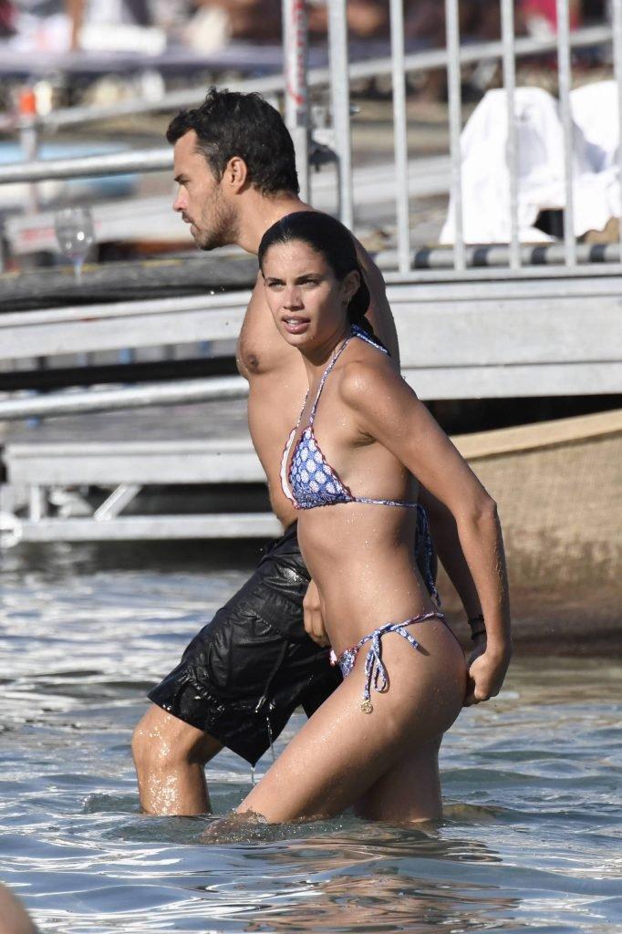 Sara Sampaio Sexy (27 Photos)