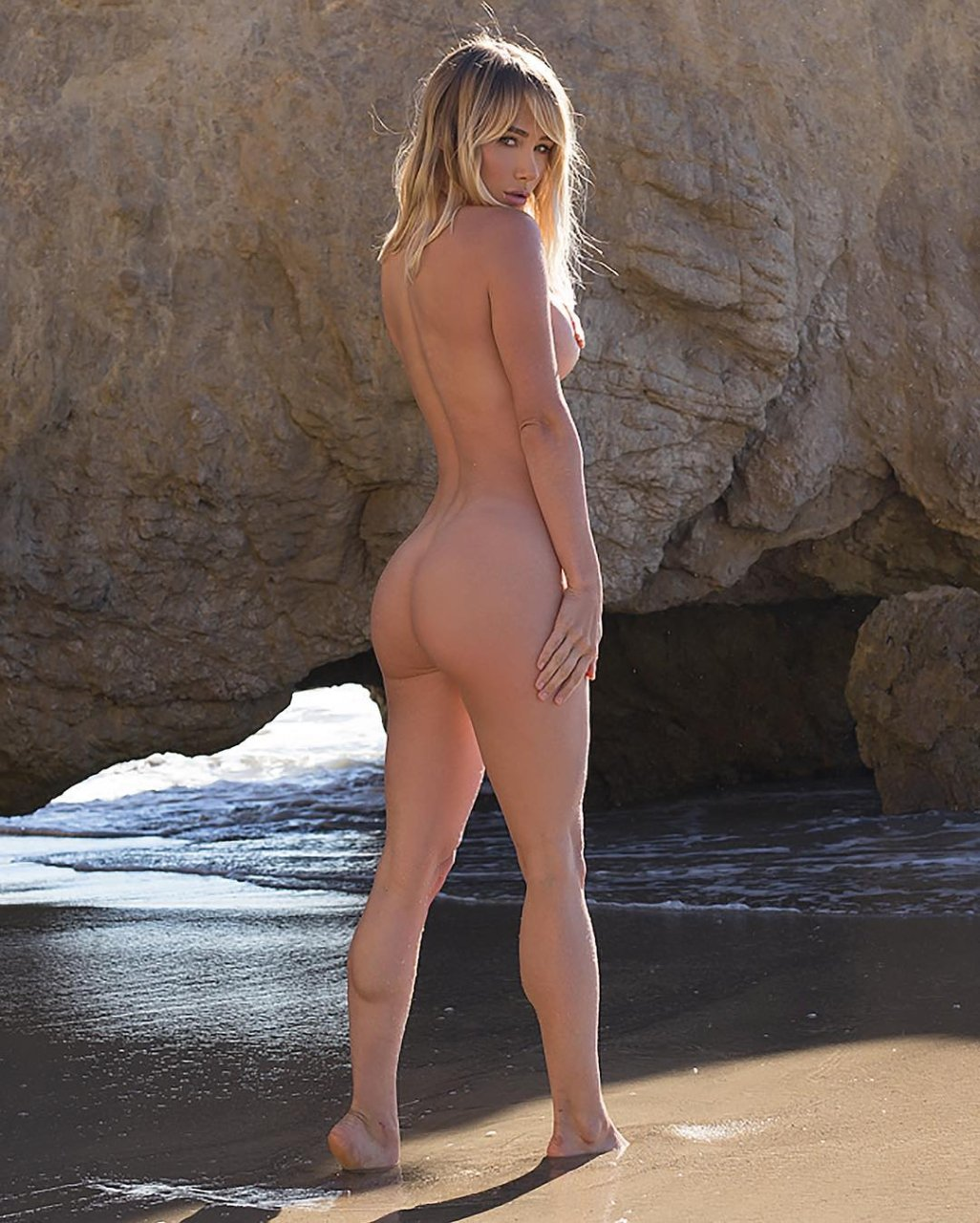 sara underwood ass