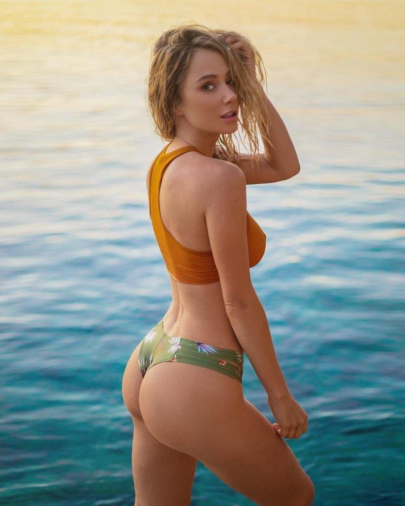 Sara Underwood Sexy (21 Photos)