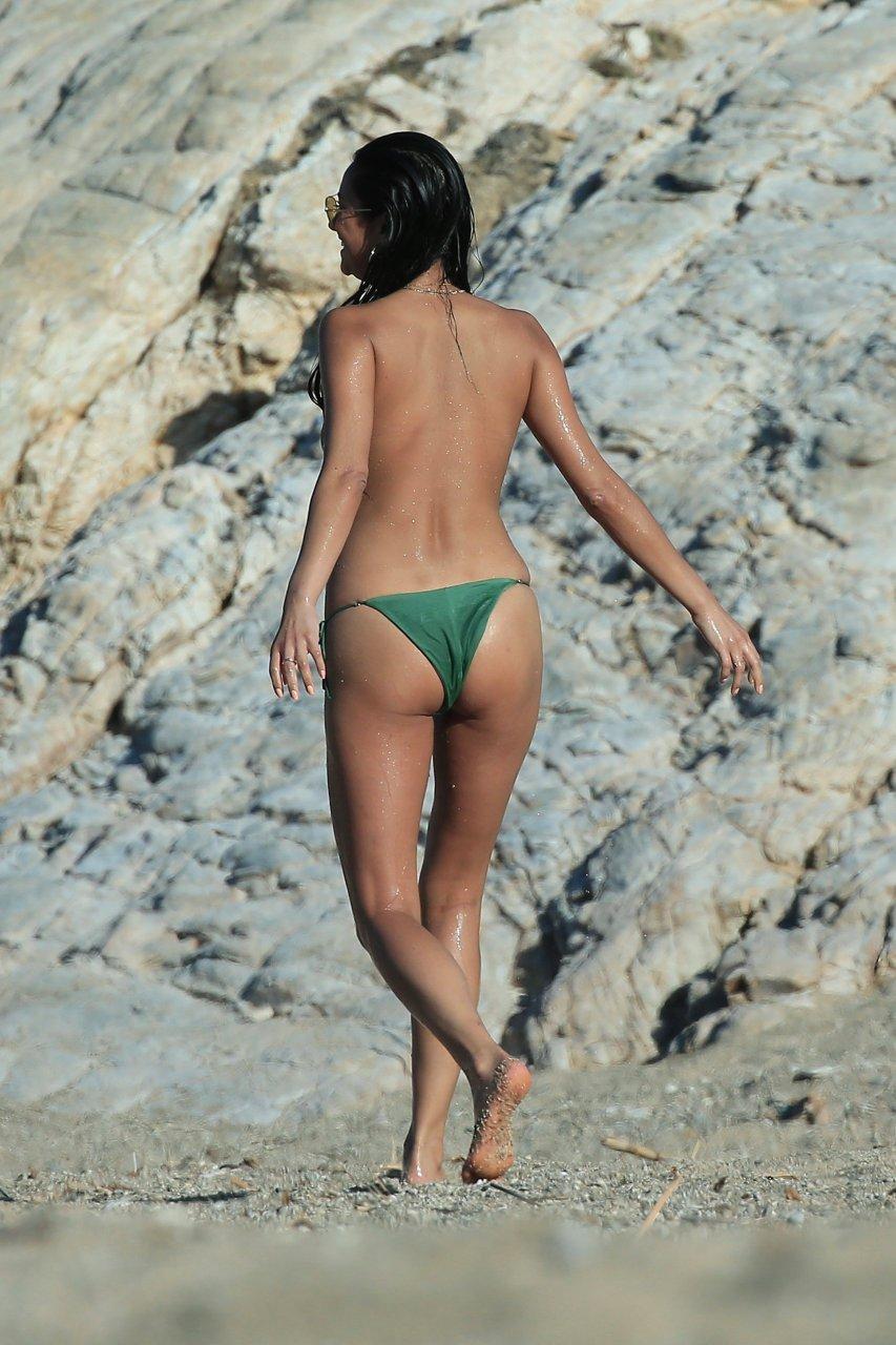 sexy topless girls