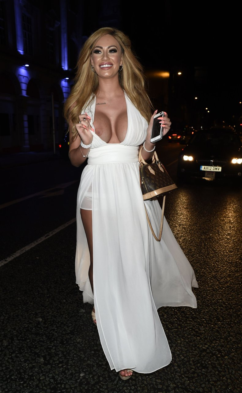 Sophie Dalzell Braless (14 Photos) | #TheFappening