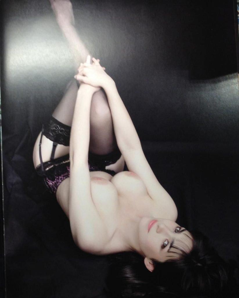 Alice Vial Topless (12 Photos)