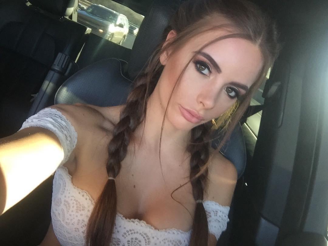 Allison Parker Dildo Squirt