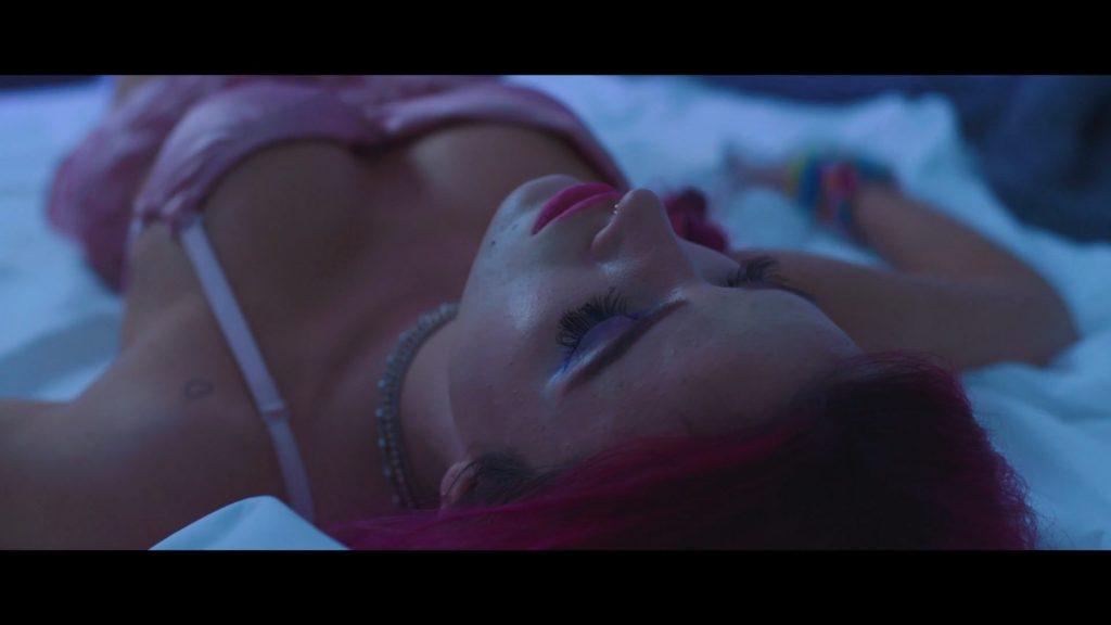 Bella Thorne Sexy (21 Pics + Video)