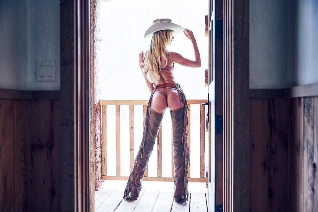 Candice Swanepoel Sexy (13 Photos + Gifs & Videos)