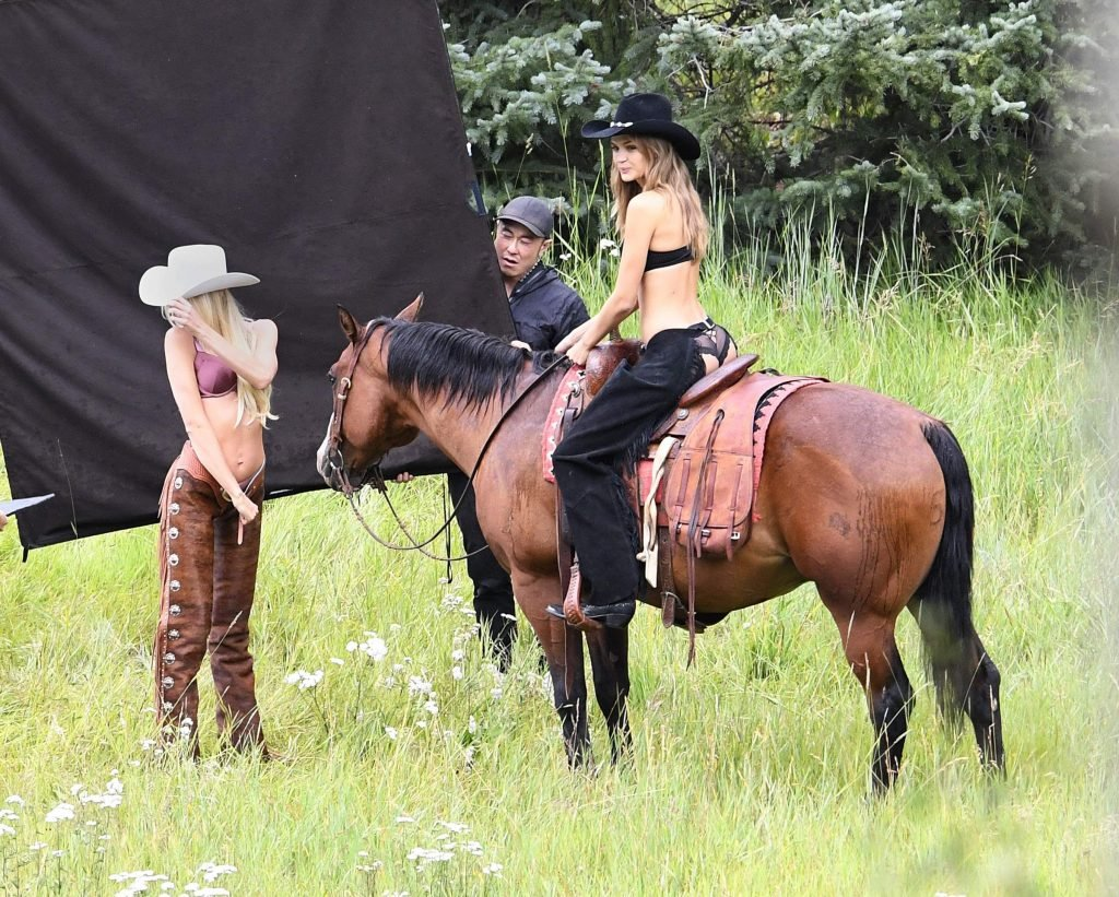 Candice Swanepoel & Josephine Skriver Sexy (57 Photos + Videos)
