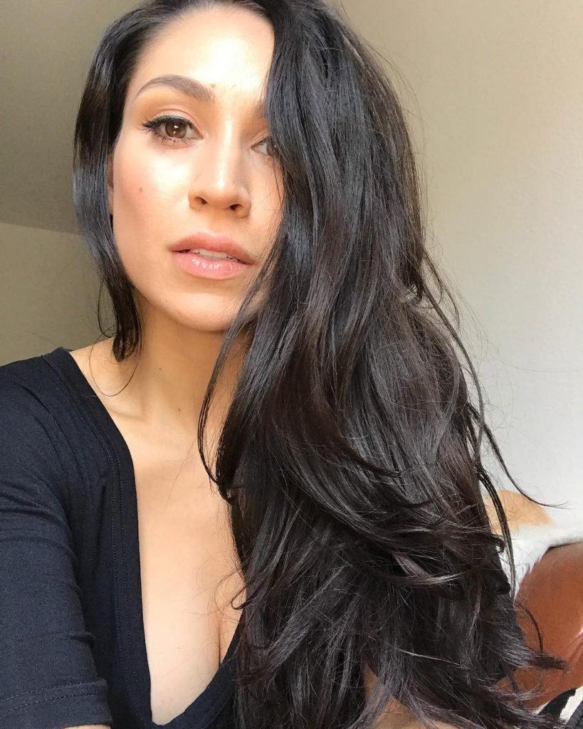 Cassie Steele Sexy (17 Photos)