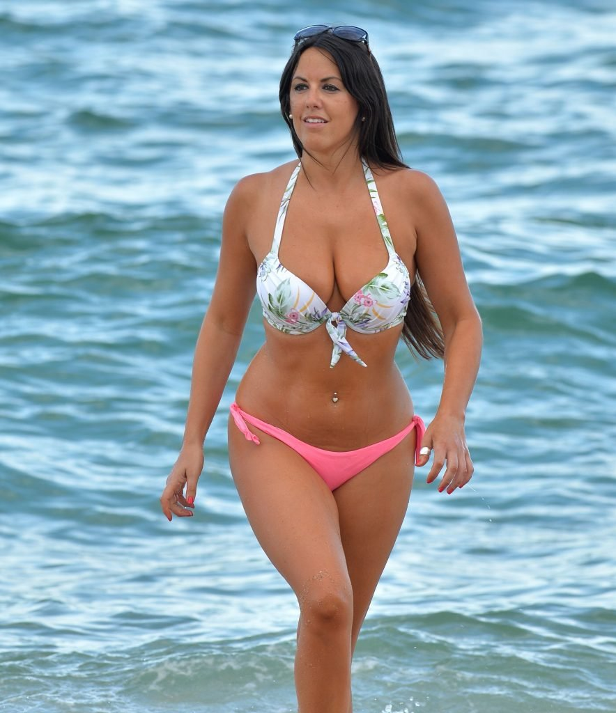 Claudia Romani Sexy (16 Photos)