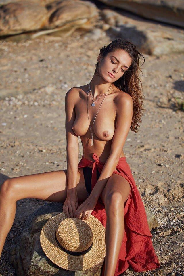 Gabrielle Caunesil Sexy & Topless (16 Photos)
