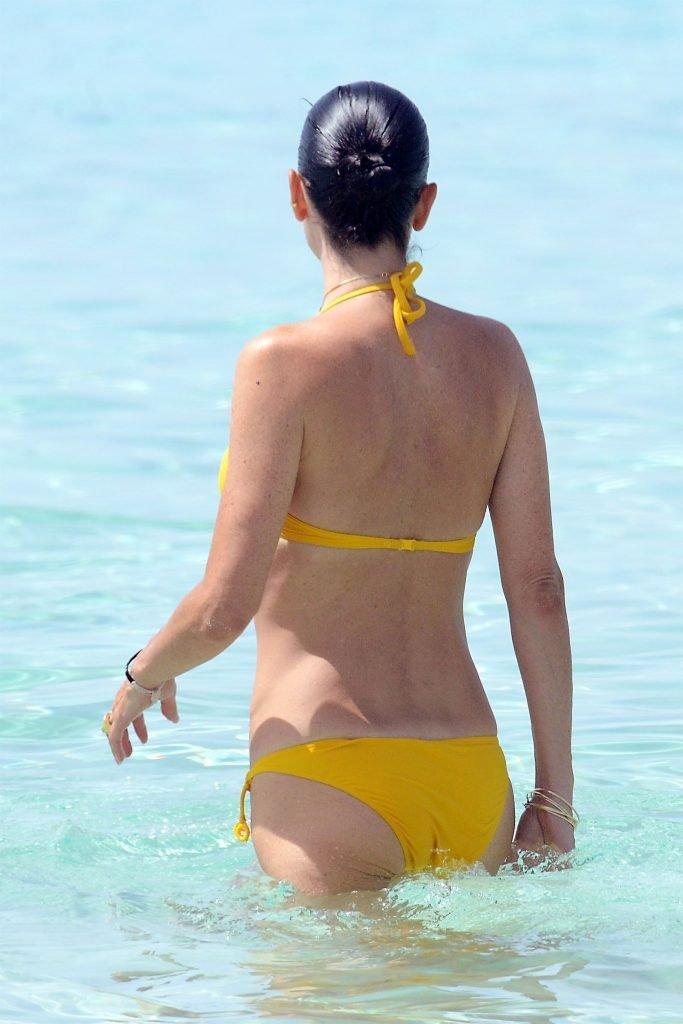 Jennifer Connelly Sexy (6 Photos)