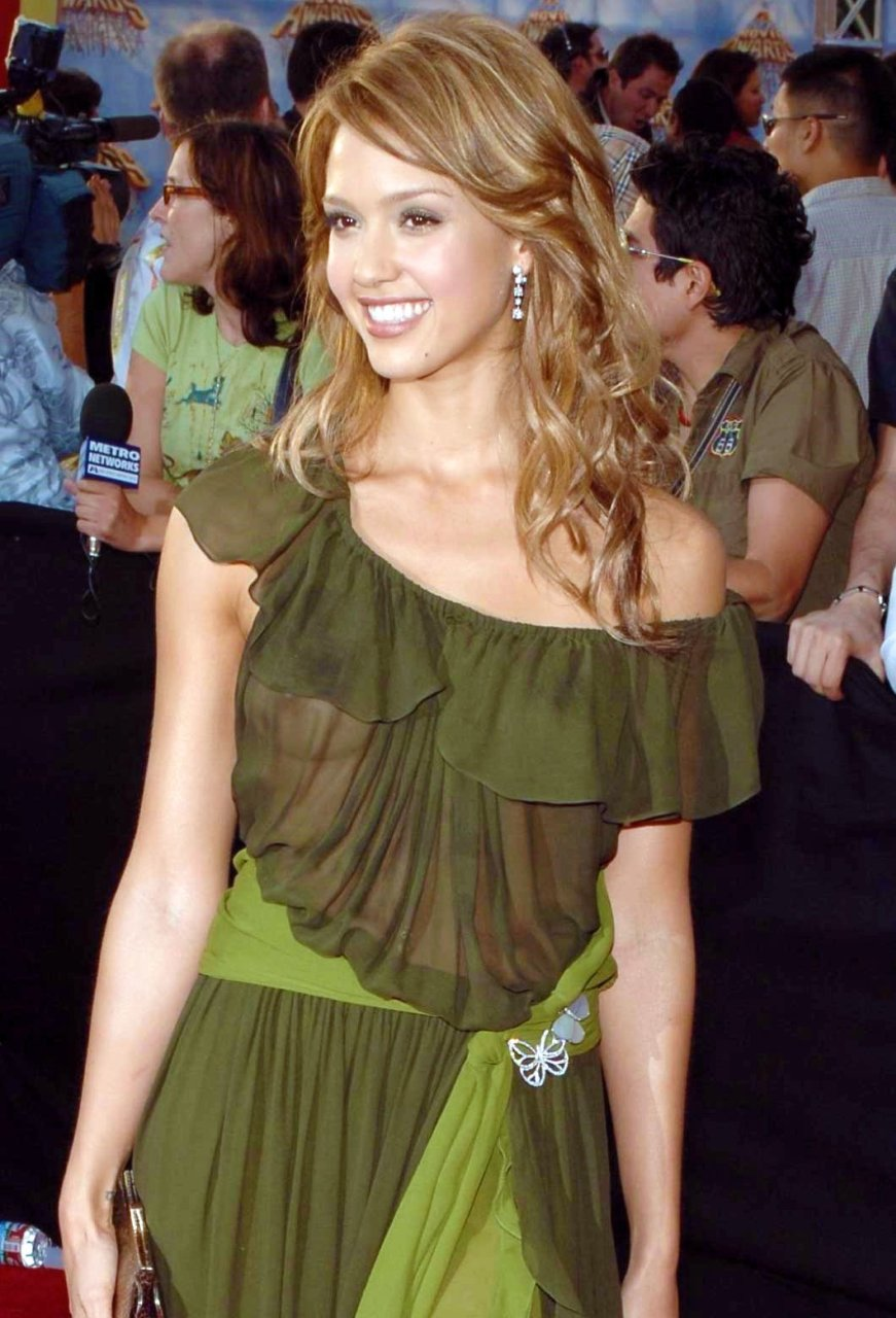 Jessica alba s naked boobs easier tell