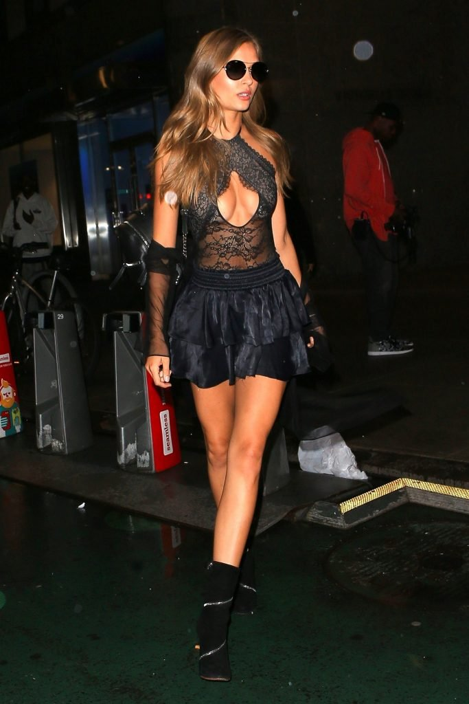 Josephine Skriver Sexy (106 Photos)
