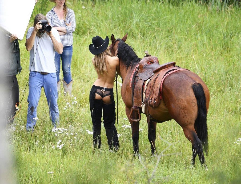Josephine Skriver Topless (19 Photos)