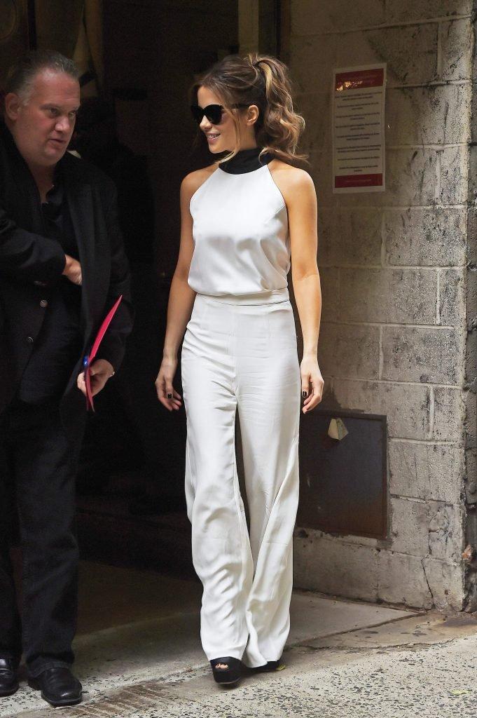 Kate Beckinsale Sexy (90 Photos)