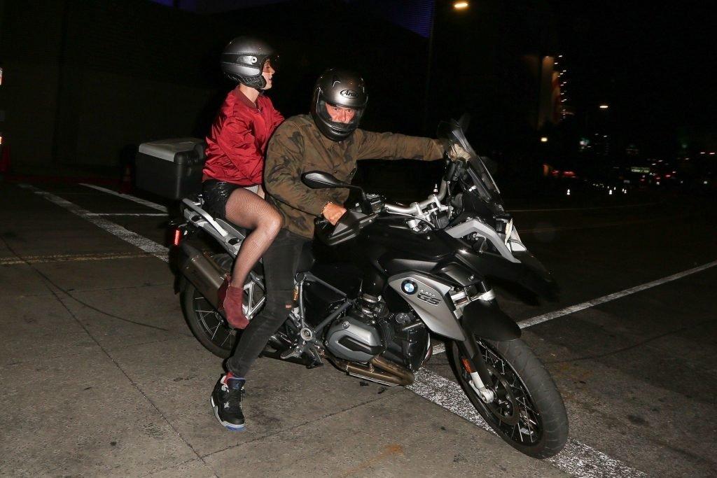 Katy Perry Upskirt (10 Photos)