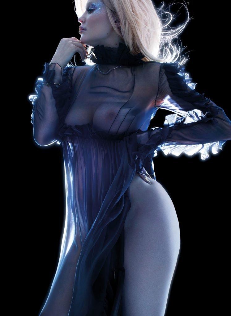 Kylie Jenner See Through (6 Photos)