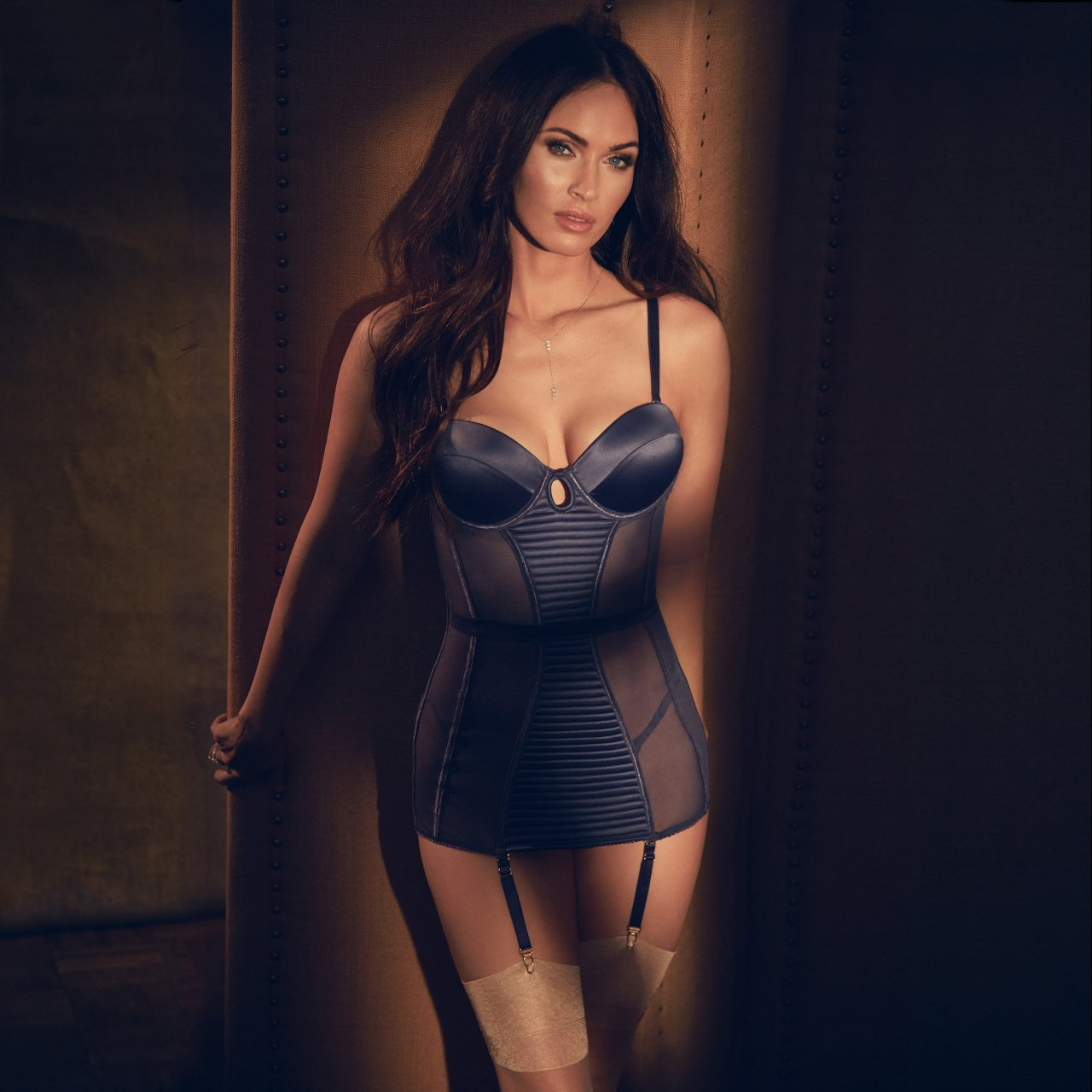 Fake porn pics on models